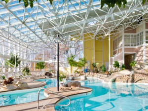 Indoor pool at Steele Hill Resort.