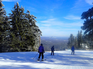 Skiing near Stroudsmoor Country Inn.