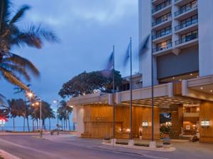 Exterior View of Hyatt Regency Waikiki Beach Resort and Spa