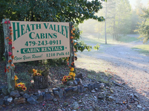 Exterior view Heath Valley Cabins.
