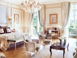 Guest room of Hôtel Meurice.
