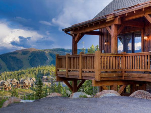 Rental exterior at Black Diamond Vacation Rentals.