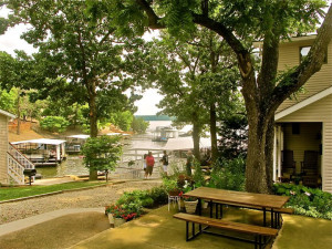 Exterior view of Sunset Inn Resort.