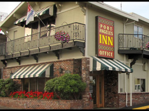 Exterior view of Aggies Port Angeles Inn.