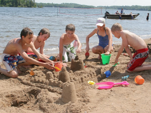 Sand castle building at Ruttger's Bay Lake Lodge.
