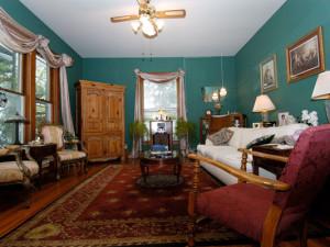 Living room at 1908 Ridgeway House Bed & Breakfast Inn.