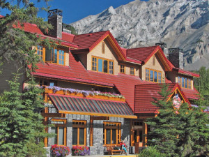 Exterior view of Banff Ptarmigan Inn.