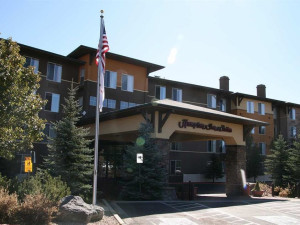 Exterior view of Hampton Inn & Suites Flagstaff.