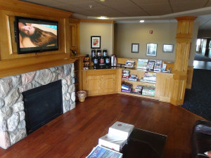 Fireplace suite The Cherry Tree Inn & Suites.