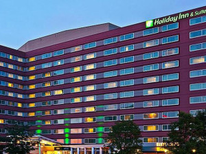 Exterior View of Holiday Inn and Suites Chicago O'Hare Rosemont Hotel