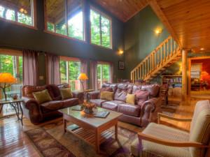 Rental living room at Auntie Belham's Cabin Rentals.