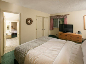 Guest room at Mountaineer Lodge.