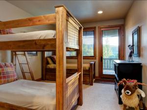 Vacation rental bunk room at SkyRun Vacation Rentals - Park City, Utah.