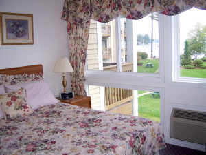 Guest room at Misty Harbor & Barefoot Beach Resort.