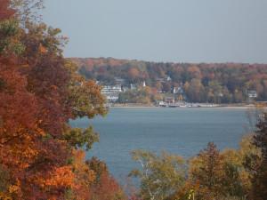 Fall foliage at Waterbury Inn Condominium Resort.