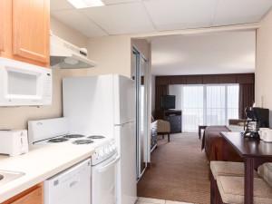Guest kitchen at Holiday Inn Oceanfront Ocean City.