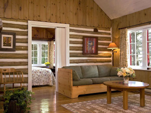 Three bedroom cabin at Killarney Lodge.