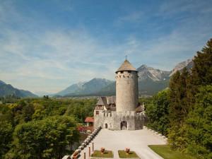 Exterior view of Schloss Matzen.
