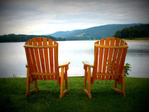 Relax by the lake at Rocky Gap Casino Resort.