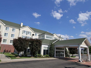 Exterior view of Hilton Garden Inn Westbury.