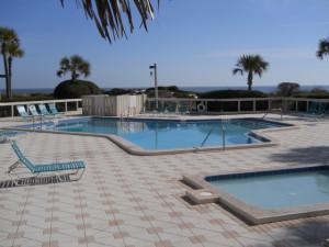 Rental outdoor pool at Amelia Island Rentals, Inc.