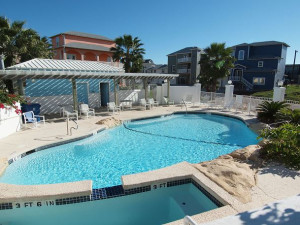 Outdoor pool at Port Aransas Escapes.