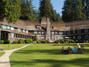 Exterior view of Lake Quinault Lodge.