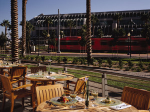 Patio dining at McCormick & Schmick's Seafood Restaurant at Omni San Diego Hotel.