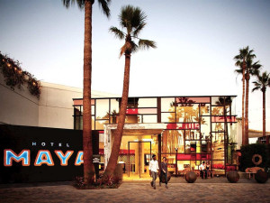 Exterior view of Hotel Maya.