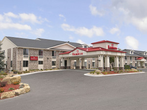 Exterior View of Ramada Wisconsin Dells
