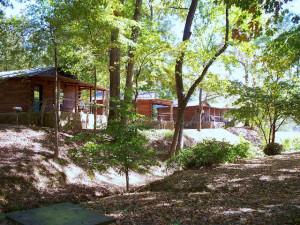 Exterior view of Lindsey's Rainbow Resort .