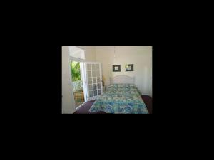 Guest bedroom at LA Casa De Luces.