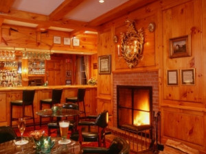 Ascot's Pub at The Spa at Norwich Inn.