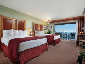 Guest Room at Shore Cliff Lodge