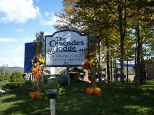 Entrance to Cascades Lodge.