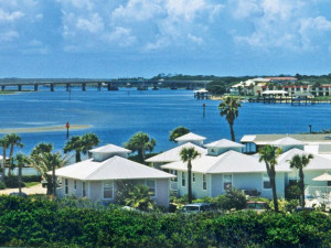 Exterior view of Devils' Elbow Fishing Resort.