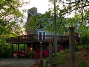 Exterior view of Rainey Day Resort.