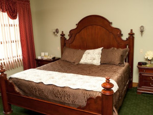 Suite guest room at Stroudsmoor Country Inn.