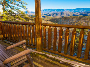 Cabin deck at SmokyMountains.com.