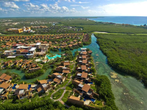 Aerial view of Banyan Tree Mayakoba.