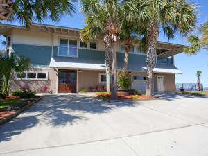 Rental exterior at Paradise Beach Homes.