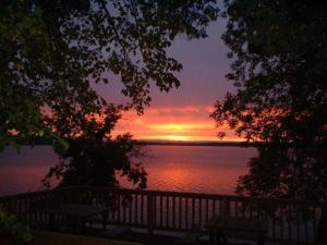 Sunrise at Bonnie Beach Resort.