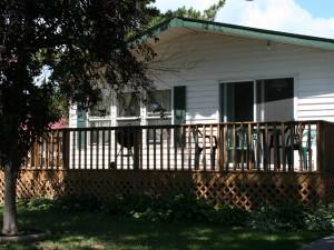 Cabin exterior at Horseshoe Resort.