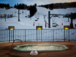 Outdoor hot tub at Inn at Aspen.