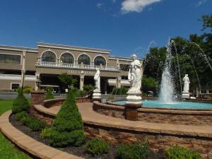 Exterior view of Villa Roma Resort.