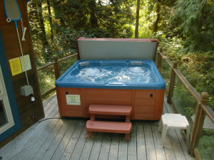 Cabin hot tub at Mt. Baker Lodging.