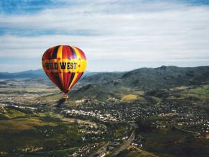 Hot air balloon near Retreatia.com.