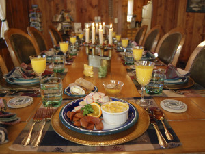Lodge dining at Rocky Mountain Lodge & Cabins.