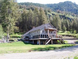 Exterior View of The Lodge at Lake Palmer