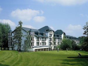 Exterior view of Land and Golf Hotel Stromberg.